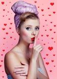 Schönes junges sexy Pin-up-Girl lizenzfreies stockfoto