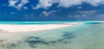 Schönes karibisches Strandpanorama stockfotos
