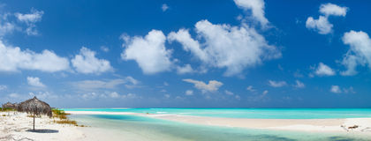 Schönes karibisches Strandpanorama stockfotografie