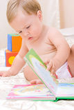 Schönes kleines Kleinkind Lizenzfreie Stockbilder