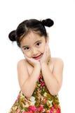 Schönes kleines Mädchen im Sommerkleid Lizenzfreie Stockfotografie