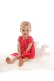 Schönes kleines Mädchen mit einem Spielzeug 3 lizenzfreies stockfoto