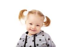 Schönes lächelndes kleines Mädchen Lizenzfreie Stockfotografie