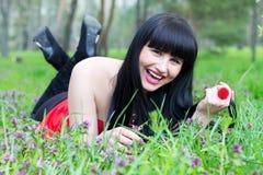 Schönes lächelndes Mädchen Lizenzfreies Stockfoto