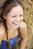 Schönes Lachen der jungen Frau Lizenzfreies Stockfoto