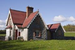Schönes landwirtschaftliches Häuschen für Feiertagsmiete Stockfotografie