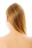 Schönes langes blondes Haar, lokalisiert auf Weiß Stockbild