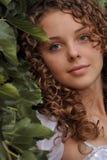 Schönes lockiges Mädchen Stockfotografie