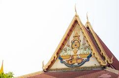Schönes Logo der 50. Jahrestags-Feiern König Bhumibol Adulyadej ` s Beitrittes zum Thron, das Bild an einem Tempel Stockbild