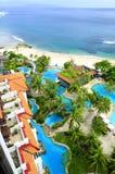 schönes Luxus-Resort und Küste der Vogel-Augenansicht Lizenzfreies Stockfoto