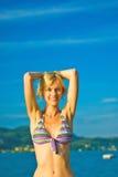 Schönes Mädchen auf dem Strand Lizenzfreie Stockfotografie