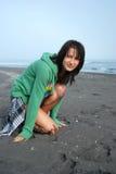 Schönes Mädchen auf dem Strand Lizenzfreies Stockbild