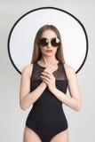 Schönes Mädchen in den Sonnenbrillen Stockbilder