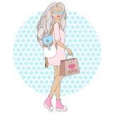 Schönes Mädchen der Mode mit Rucksack Vector Illustration einer Modefrau mit Einkaufstasche Stockfotografie