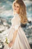 Schönes Mädchen in einem Kleid Lizenzfreie Stockfotos