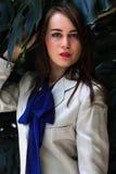 Schönes Mädchen in einer schönen Stadt lizenzfreies stockfoto