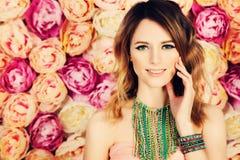 Schönes Mädchen Farbton-Haar und Make-up Lizenzfreies Stockbild