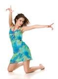 Schönes Mädchen im blauen Kleid stockfotos
