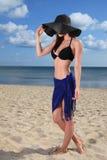 Mädchen auf dem Strand Lizenzfreies Stockbild