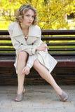 Schönes Mädchen im Mantel Lizenzfreie Stockbilder