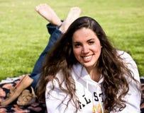 Schönes Mädchen im Park Lizenzfreies Stockfoto
