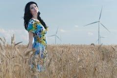 Schönes Mädchen im Rye lizenzfreie stockfotos