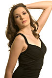 Schönes Mädchen im schwarzen Kleid Lizenzfreies Stockfoto