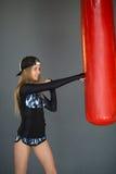 Schönes Mädchen im Training stockbilder
