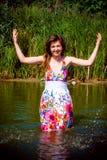 Schönes Mädchen im Wasser Lizenzfreie Stockfotos