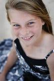 Schönes Mädchen mit blauen Augen lizenzfreie stockbilder