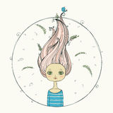 Schönes Mädchen mit dem Fliegenhaar auf Sommerhintergrund Lizenzfreies Stockbild
