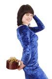 Schönes Mädchen mit einem Geschenk. lizenzfreie stockbilder