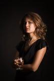 Schönes Mädchen mit Glas Wein Stockbilder