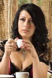 Schönes Mädchen mit Kaffee Stockfoto