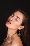 Schönes Mädchen mit leichtem nacktem Make-up Lizenzfreies Stockbild