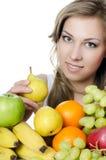 Schönes Mädchen mit Obst und Gemüse Stockfoto