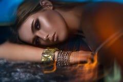 Schönes Mädchen mit schönem Make-up, Jugend- und Hautpflegekonzept stockbilder
