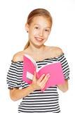 Schönes Mädchen mit Schreibheft stockbilder