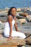 Schönes Mädchen am Strand Lizenzfreies Stockbild