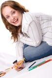 Schönes Mädchen zeichnet mit Zeichenstiften. #2 Lizenzfreie Stockfotos