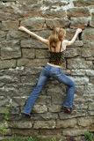 Schönes Mädchensteigen Lizenzfreie Stockfotografie