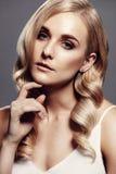 Schönes Modell mit perfekter frischer Haut Stockfotografie