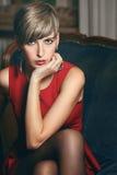 Schönes Modellporträt des kurzen Haares stockfotografie