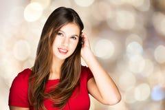 Schönes Modeporträt der jungen Frau lizenzfreie stockfotos
