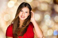 Schönes Modeporträt der jungen Frau stockbild
