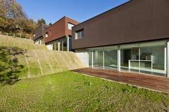 Schönes modernes Haus stockbild