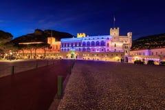 Schönes Nachtgebäude von Prinz ` s Palast in Monaco-ville lizenzfreies stockfoto