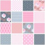 Schönes nahtloses Patchworkmuster mit rosa Rosen und geometrischen dekorativen Flecken Quadratische Elemente im Shabby-Chic-Stil stock abbildung