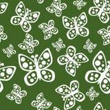 Schönes nahtloses Schmetterlingsmuster in den grünen und weißen Farben Stockbild