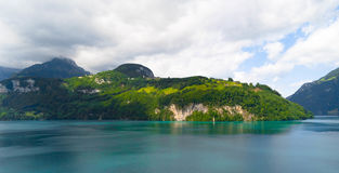 Schönes natürliches die Luzerner Seen am Sommertag Lizenzfreies Stockbild